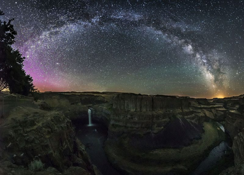 2015-12-s2-Palouse Fall under the Milky Way